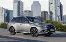 Mitsubishi Outlander Phev 2016 2017 Autoevolution