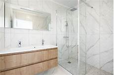 faience marbre salle de bain exemples de carrelages d int 233 rieur 224 201 guilles