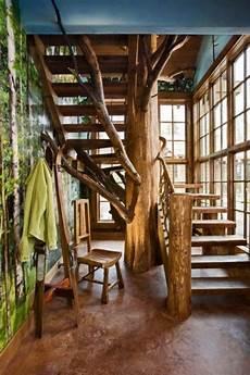 arbre interieur deco un escalier splendide autour d un tronc d arbre une d 233 co
