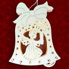 stimmungsvolle dekorationen aus holz fensterbild engel