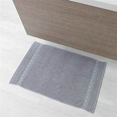 tappeti x bagno tappeto da bagno 50 x 85 cm casa kiabi 9 00