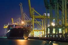 singaporean shipping giants partner ibm for blockchain trial