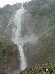 Beda Air Terjun Ponot Dengan Air Terjun Sigura Gura Alam