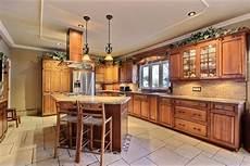 armoire de cuisine bois massif cuisine sur mesure