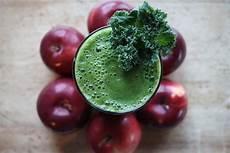 Tout Cru Dans Le Bec Du Kale En Smoothie En Salade Et