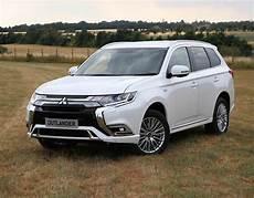 Mitsubishi Outlander 2019 - mitsubishi outlander phev hybrid 2019 uk price specs