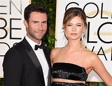 Adam Levine Frau - adam levine and behati prinsloo welcome second child