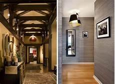 decoration peinture couloir beige ocre papier peint gris