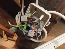 5 adriges kabel anschließen steckdose 2 len und einen schalter anschlie 223 en elektronik
