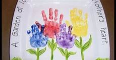 5 hand print activities to do with your 1 year old 18 keepsakes made with family handprint ideas