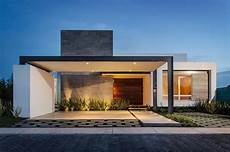10 modern one story house design ideas discover the current trends plans and facades