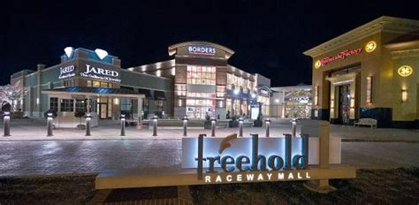Radisson Hotel Freehold 1 ($�1�1�9�)
