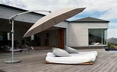 sonnenschirm für terrasse der kleine sonnenschirm ratgeber f 252 r ihren perfekten