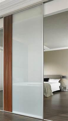 glasschiebetür in wand verschiebbare glastrennwand f 252 r das schlafzimmer