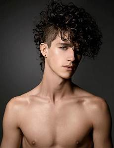 9 great men s curly hairstyles