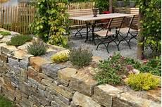 naturstein terrasse richtig planen und verlegen zuhause net