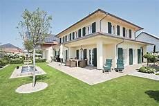 Häuser Mit Fensterläden Bilder - geplantes architektenhaus mediterranes traumhaus