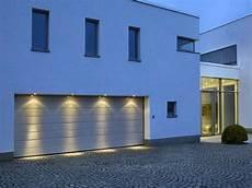Außenbeleuchtung Haus Led - 50 outdoor garage lighting ideas exterior illumination