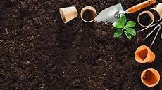Mutterboden Lieferung Hochwertige Blumenerde Rindenmulch