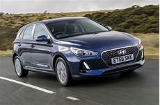 hyundai i30 business hyundai i30 1 4 t gdi se nav review business car manager