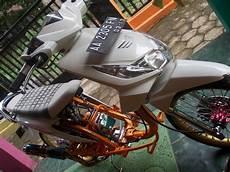 Modifikasi Beat 2012 by Modifikasi Motor Minimalis Modifikasi Beat Putih