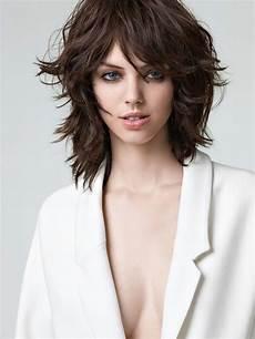coupe de cheveux femme carré dégradé pin on mid length hair ideas