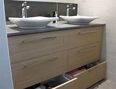 meuble pour vasque salle de bain un meuble vasque pratique entre deux murs atlantic bain