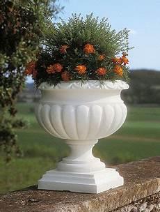 vasi resina prezzi fioriera etrusca in resina vasi in resina e in plastica