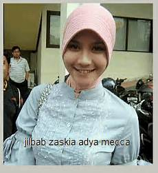 Model Hijabers Zaskia Adya Mecca Photo Foto Koleksi