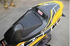 Aerox Kuning Modif by Modifikasi Yamaha Aerox Kuning Jok Warungasep