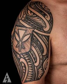 Oberarm Tribal - 30 ridiculously amazing tribal tattoos by california