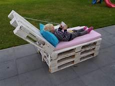 liegestuhl aus paletten top liegestuhl aus paletten eg36 casaramonaacademy