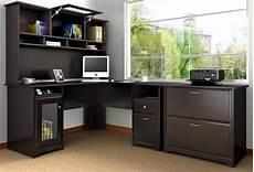 grand bureau d angle un bureau informatique d angle quel bureau choisir pour votre petit office archzine fr