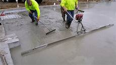 How To Get A Flat Floor Using A Vibrating Concrete Power