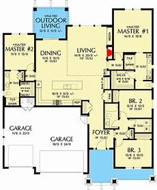 ranch style house plans with two master suites craftsman ranch home plan with two master suites 69727am