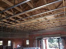 faux plafonds suspendus plafonds suspendus faux plafonds ou plafonnettes en brique