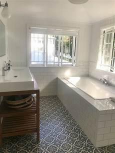 Queenslander Bathroom Ideas by Queenslander Bathroom Casement Windows Subway Tiles Trough