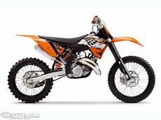 his brand new ktm dirt bike mobil