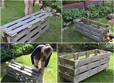 Paletten Streichen Garten - hochbeet aus paletten bauen f 252 r gem 252 se kr 228 uter und blumen
