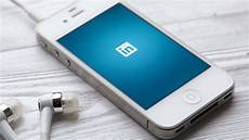 linked in mobile linkedin s sponsored content pivot helps ad revenue hit