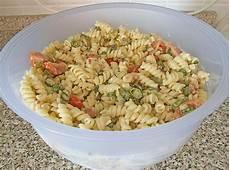 nudelsalat mit mayo nudelsalat mit mayonnaise gurkenbr 252 he dressing rezept