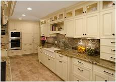 kitchen cabinet and countertop combinations kitchen cabinet and countertop color schemes
