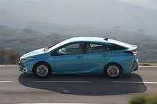 Essai Toyota Prius Rechargeable 2017 Notre Avis Sur La