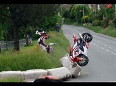 course de moto le tourist trophy les jeux du cirque contenu