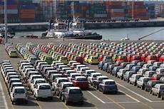 prix transport voiture le prix moyen d une voiture neuve est de 25 828 euros