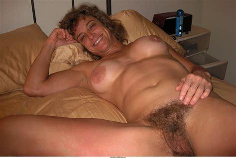 Hairy Gilf