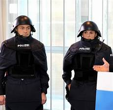 Ausbildung Polizei Bayern - terror und fl 252 chtlinge bundespolizei wirbt um junge leute