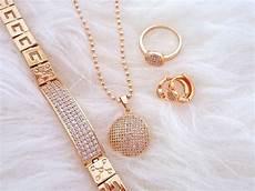 Memilih Gambar Cincin Emas Bagus Beserta Perhiasan Aslinya