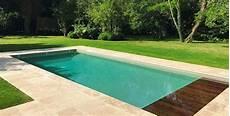 amenagement piscine coque pierres margelles am 233 nagement piscine coque g 233 n 233 ration piscine