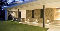 illuminazione casa esterno come illuminare esternamente una casa idee e consigli